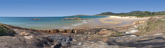 Panorama of South West Rocks beach by Richard Majlinder