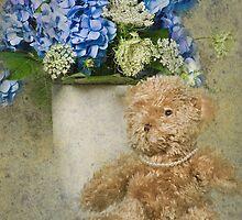 Fuzzy Wuzzy by Maria Dryfhout