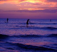 Standup Paddleboarders - North Shore by Katerina Tassiopoulos