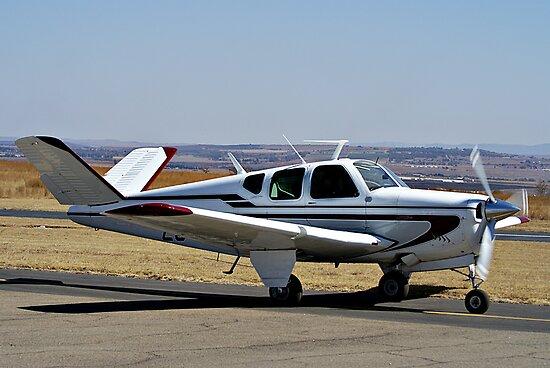 Beechcraft Bonanza V-Tail by RatManDude