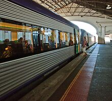2009 160 train at Ballarat Railway station by Fred Mitchell