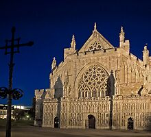 Exeter Cathedral & Crucifix by Darren Newbery