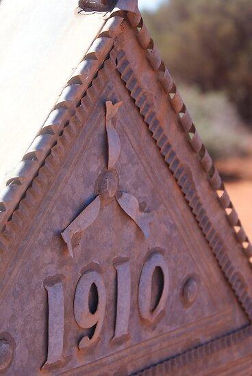 Headstone of metal,Menzies West Australia by robynart