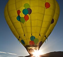balloon yellow sunstar by Jeanne Frasse