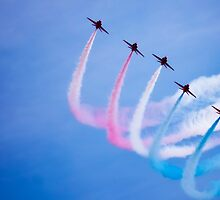 Red arrows with smoke trails by nayamina