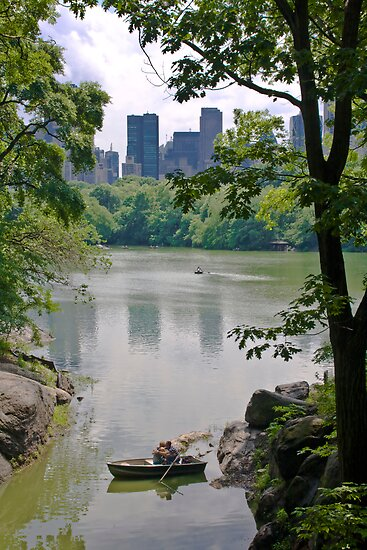 Central Park's Lovers by tintinvb