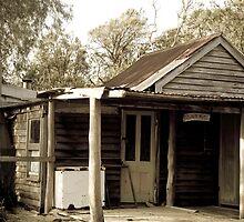 Judy's Hut, Broke Inlet by pennyswork