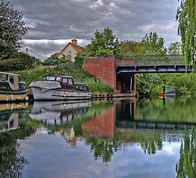 thames river boats HDR by mark connell