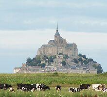 Le Mont-Saint-Michel by ParadoxLost