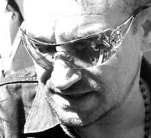 Ummm... Bono! by berndt2