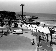 Devil's Beach and Arpoador Square by Guilherme Pontes