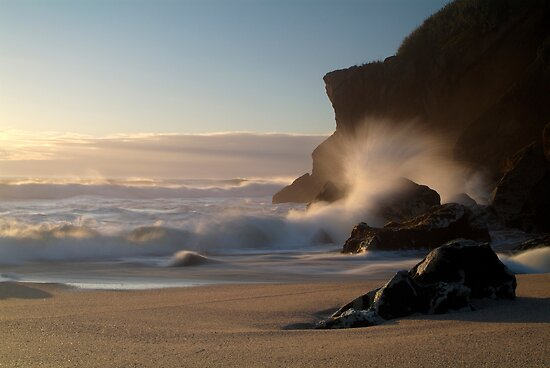Kohaihai Bluff, North Westland, New Zealand by Paul Mercer