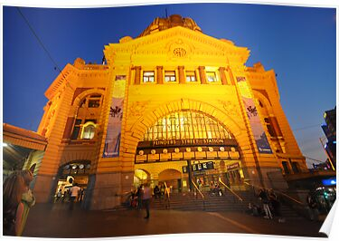 Flinders Street Station in Melbourne, Victoria by groophics