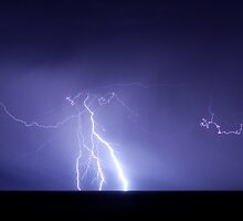 Staccato lightning by Tony Middleton