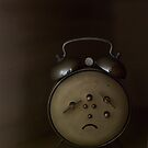 The sad little clock by David  Symons