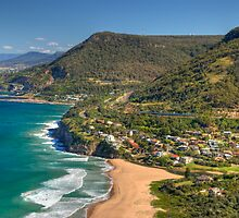 Stanwell Park  by Terry Everson
