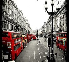 London - by Joan Peno McCool by Jonicool