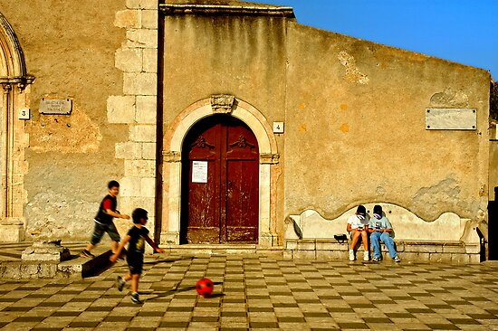 Playing in Taormina by Silvia Ganora