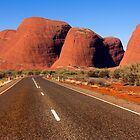 Highway to Kata Tjuta - Olgas by Hans Kawitzki