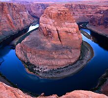 Horseshoe Bend by Anne McKinnell