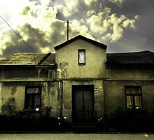 house with history by halina1601