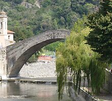Dolceacqua, the bridge by presbi