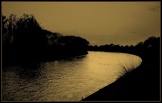 SHAH RIVER by manumint