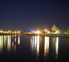Busselton Jetty at Night by glennokc