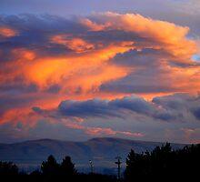 Yakima sunset by Hiroshi  Maeshiro