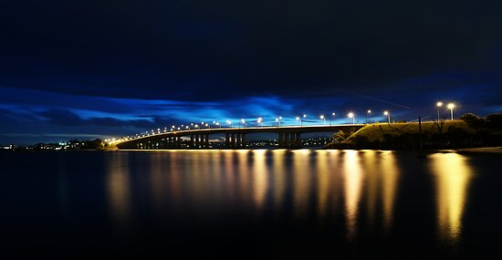 Captain Cook Bridge by Rod Kashubin