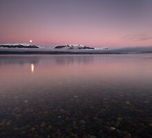 Lake Te Anau. by Michael Treloar