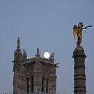Paris - Tour St Jacques. by Jean-Luc Rollier