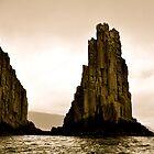 Mystic cliff by gelifranke