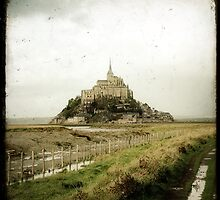 Le Mont Saint-Michel by Marc Loret