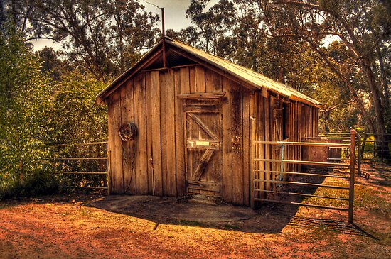 Wooden Barn, Bella Vista on Blackwood, Bridgetown, W.A. by Elaine Teague
