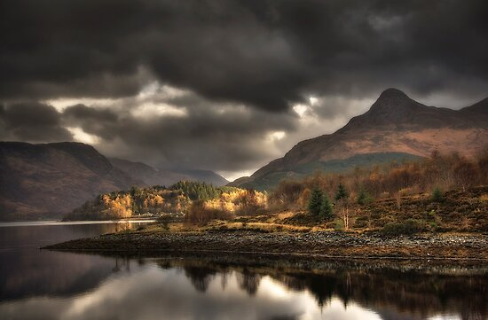 The Pap of Glencoe by Linda  Morrison