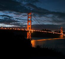Golden Gate Bridge at Night by dijle