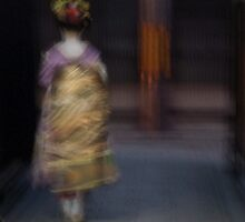 A Maiko in Gion by Michelle Secombe