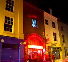 Brighton pubs at night 24 - Riki Tik by Eyeswide