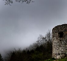 Ancient ruin by Erdj