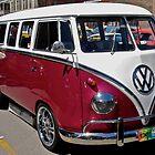 Mangenta Volkswagen Kombi Van by Ferenghi