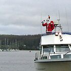 Santa arrives in the harbour by mohawkshed