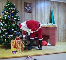 Alki Lodge Santa 2337 by Kristin Bennett