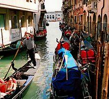 Fag break in Venice, Italy by Elana Bailey