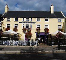 The Queen's Pub by Nancy Huenergardt