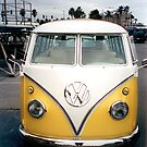 VW Bus Split window by andytechie