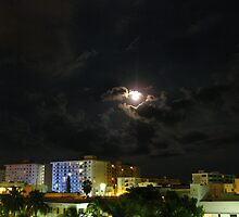 Moon Sky over South Beach II by aquamotion