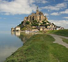 Mont Saint Michel by roumen