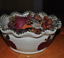 Potpourri in Scalloped Country Apple Bowl by mltrue