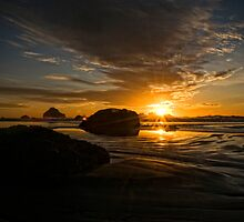 Bandon Oregon Sunset by leannasreflections